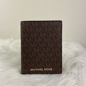 Michael Kors Bags - MICHAEL KORS JET SET TRAVEL PASSPORT CASE WALLET